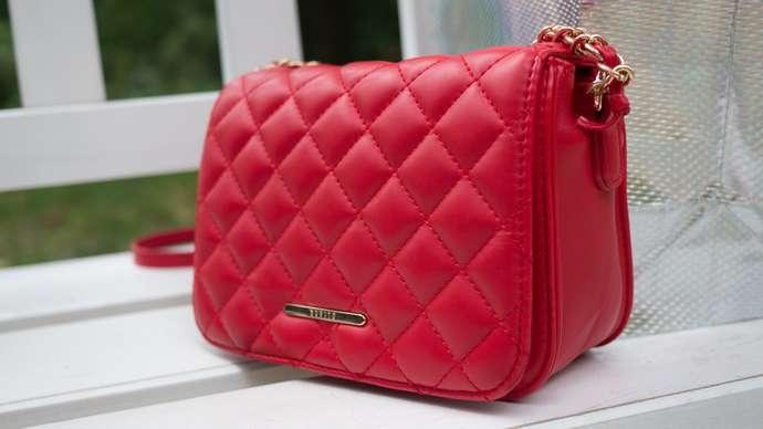 image for Conor McGregor Seen Carrying Women's Handbag