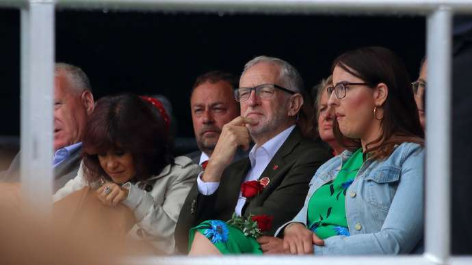 image for Jess Philips urges Labour members not to vote for her