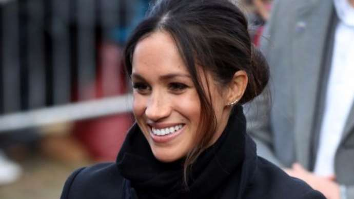 image for 'Stand-offish' Meghan refuses to allow newsmen to listen while she goes to the bathroom