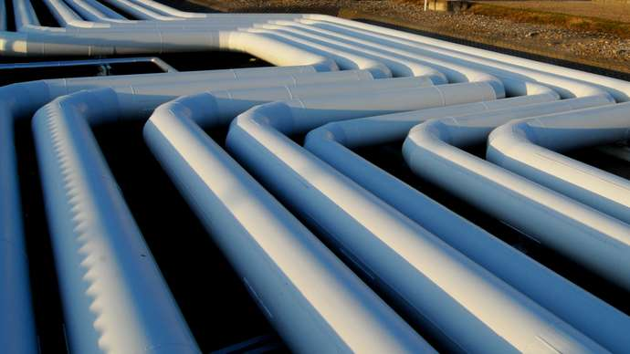 image for UK to build migrant pipe under Channel