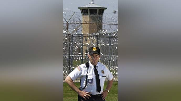 image for State Prison Guard Criticizes Torture at Abu Gharib