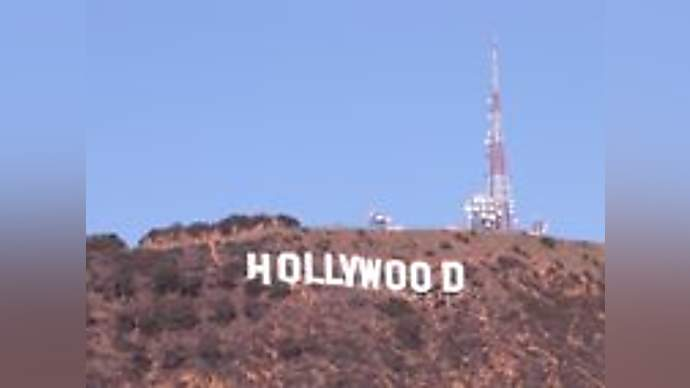 image for Another 'facial clap' reported in Hollywood