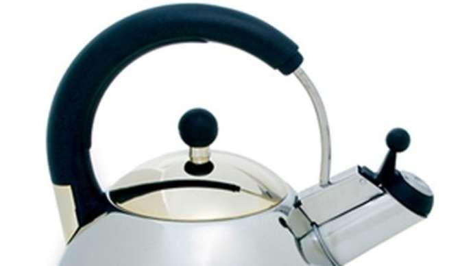 image for Woman boils kettle on Brexiteer husband's head