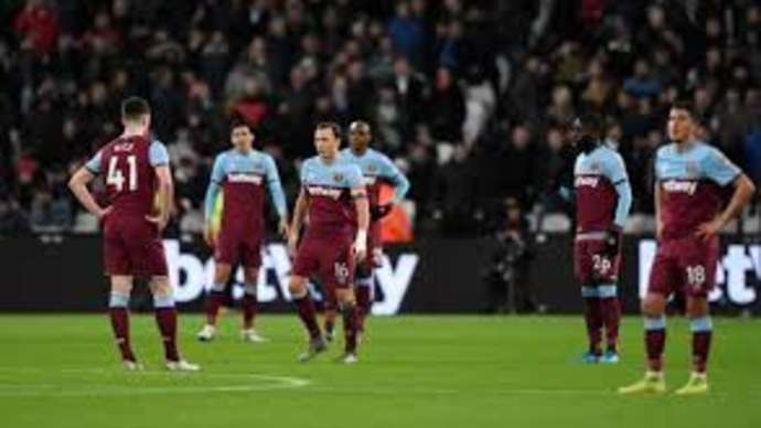 image for West Ham Sack David Moyes a Second Time After Losing to Amateur Club Hackney Wednesday at London Stadium