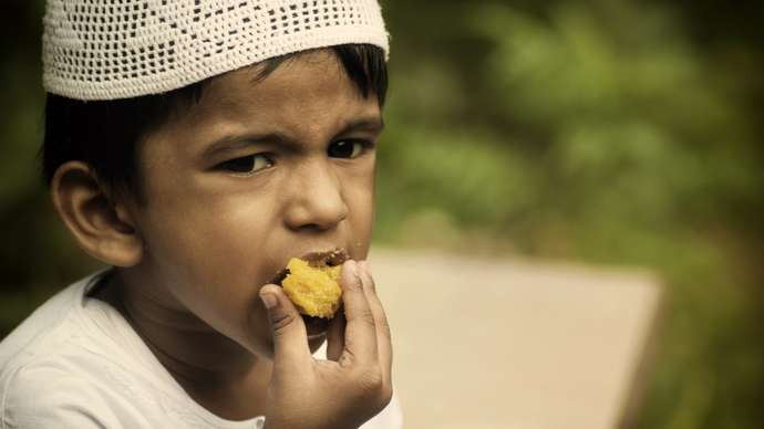 image for Ramadan Under Threat, As Muslims Seen Nibbling On Snacks During The Daytime
