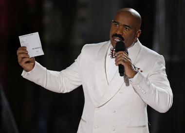 "image for Steve Harvey on Ms. Universe 2015 Mishap: ""I will again host next year's pageant... the Ms. Universe 2016"""