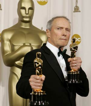 image for Clint Eastwood Gives One Of His Oscars To Donald Trump